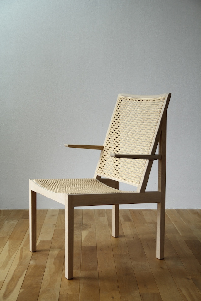 spec_img_readingchair_01