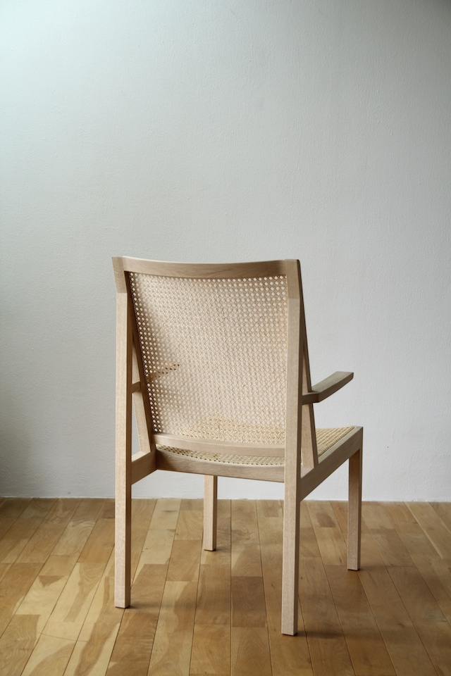 spec_img_readingchair_02